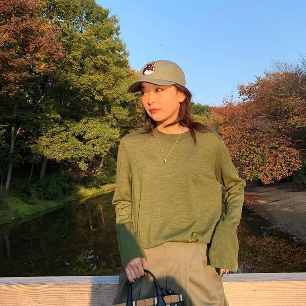Ngắm 10 outfit xịn sò ngày se lạnh của sao Hàn, các nàng sẽ có ngay loạt công thức mix&match vừa xinh vừa chất - Ảnh 2.