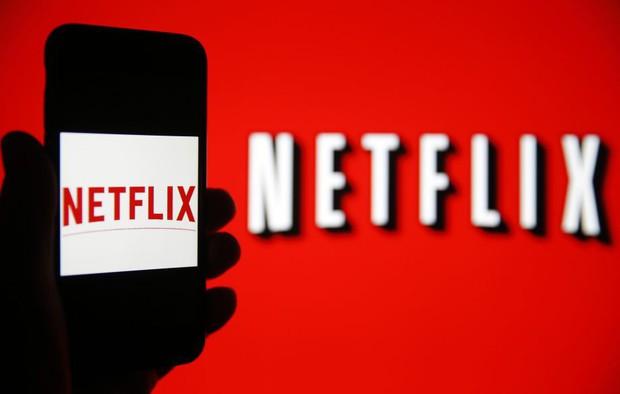 Netflix thử nghiệm tính năng xem phim thần tốc cho người lười, hàng loạt nhà sản xuất phẫn nộ đòi tẩy chay - Ảnh 1.