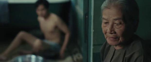5 chi tiết vô lí đùng đùng ở Bắc Kim Thang: Thiện Tâm tắm không thèm đóng cửa, để vú nuôi nhìn trộm? - Ảnh 2.