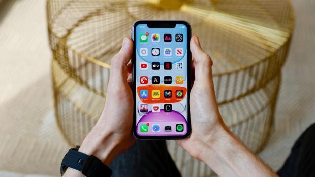 Thật tiếc cho ai mua iPhone 11, bởi iPhone 12 năm sau sẽ có một thứ sướng mắt hơn bội phần - Ảnh 1.