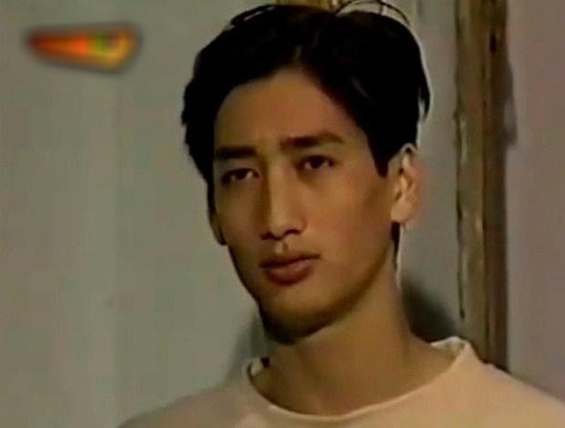 Lục ảnh thời trai tân của 3 Sở Khanh phim Việt: Thái Hoa Hồng quả thật đáng yêu nhất nhà - Ảnh 2.