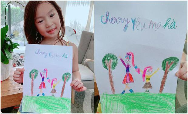 Bà xã Lý Hải dậy thì thành công trong tranh vẽ của con gái, nhưng khả năng viết chữ của Cherry cùng lời nhắn ngọt ngào mới bất ngờ - Ảnh 1.