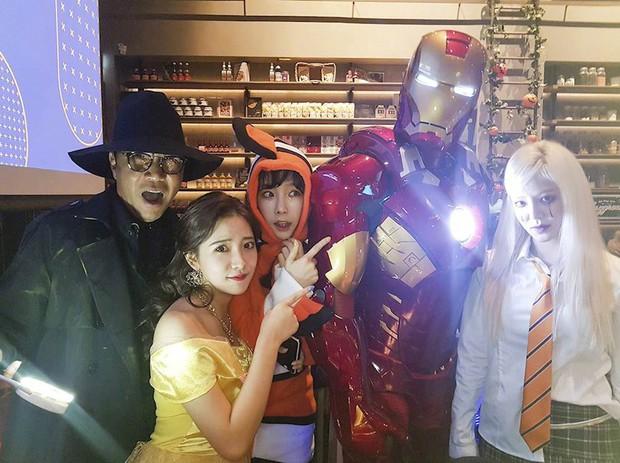 Idol Hàn bắt trend phim hot vào Halloween: TWICE khiến fan sốc nặng, độ chịu chơi nhà SM không ai đọ lại - Ảnh 6.