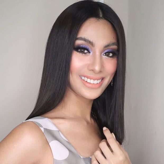 Khoảnh khắc gây lú: Hoàng Thùy đọ sắc cùng Lâm Khánh Chi tại đấu trường Hoa hậu Quốc tế 2019? - Ảnh 6.