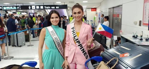 Khoảnh khắc gây lú: Hoàng Thùy đọ sắc cùng Lâm Khánh Chi tại đấu trường Hoa hậu Quốc tế 2019? - Ảnh 5.