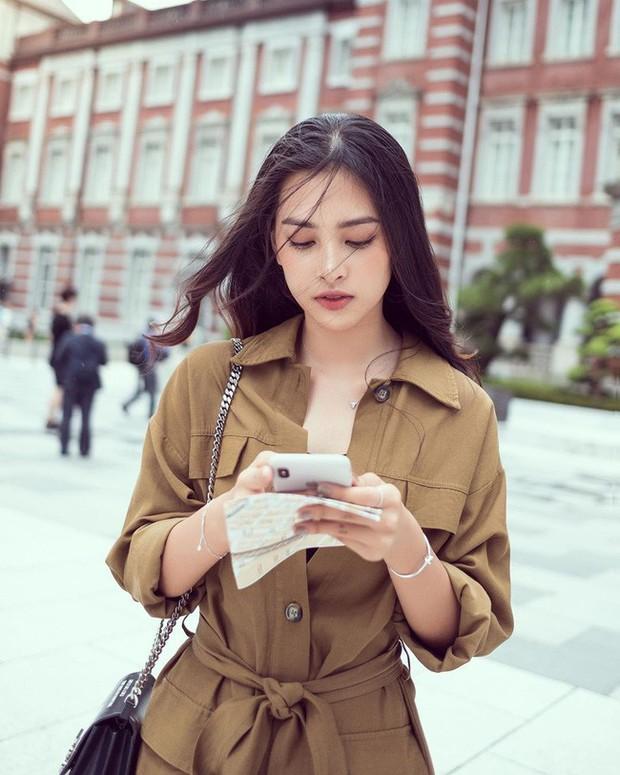 Đáng chú ý không kém chuyện Tiểu Vy hẹn hò là style của cô: Ngày một sang chảnh, tinh tế mà vẫn trẻ trung - Ảnh 7.