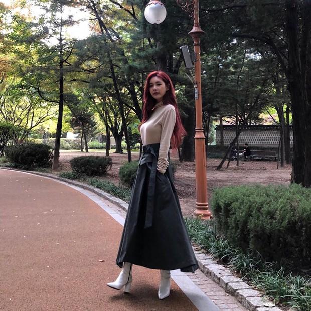 Ngắm 10 outfit xịn sò ngày se lạnh của sao Hàn, các nàng sẽ có ngay loạt công thức mix&match vừa xinh vừa chất - Ảnh 10.