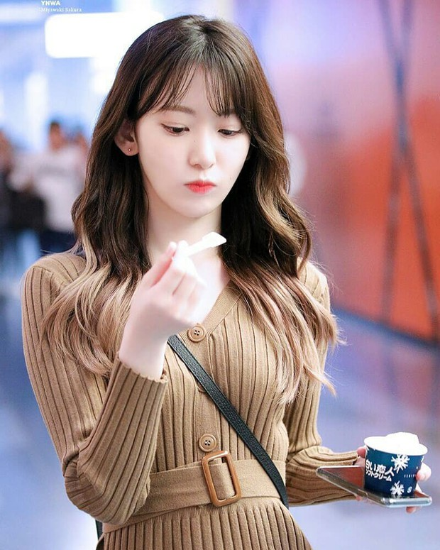 Ngắm 10 outfit xịn sò ngày se lạnh của sao Hàn, các nàng sẽ có ngay loạt công thức mix&match vừa xinh vừa chất - Ảnh 9.