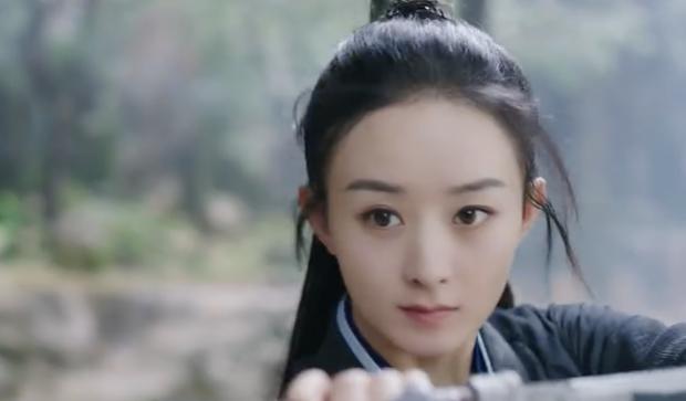 Bà mẹ 1 con Triệu Lệ Dĩnh võ công thâm thậm cũng không bằng nụ cười giết người của Vương Nhất Bác ở teaser Hữu Phỉ - Ảnh 2.
