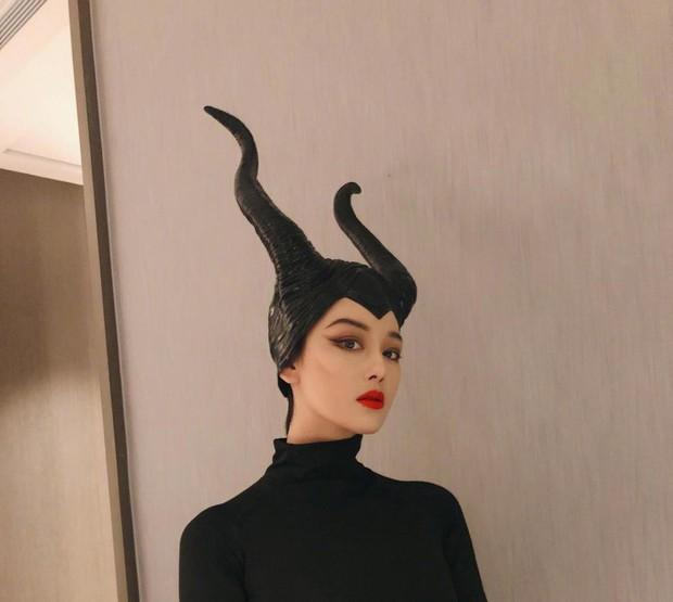 Dàn sao Cbiz cosplay Halloween: Không ai nhận ra Lâm Tâm Như - Tô Hữu Bằng, xuất sắc nhất chính là Trương Hinh Dư - Ảnh 4.