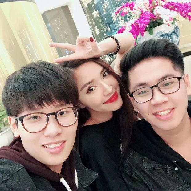 4 cậu em trai soái ca của sao Việt: Toàn điển trai như hotboy Hàn, em Midu giỏi đáng nể, em Sơn Tùng M-TP hot hòn họt - Ảnh 5.