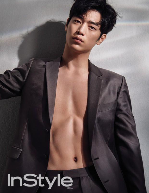 Màn lột xác body kinh điển của dàn nam thần xứ Hàn: Lee Min Ho và phó chủ tịch chưa khủng bằng Kim Woo Bin? - Ảnh 3.