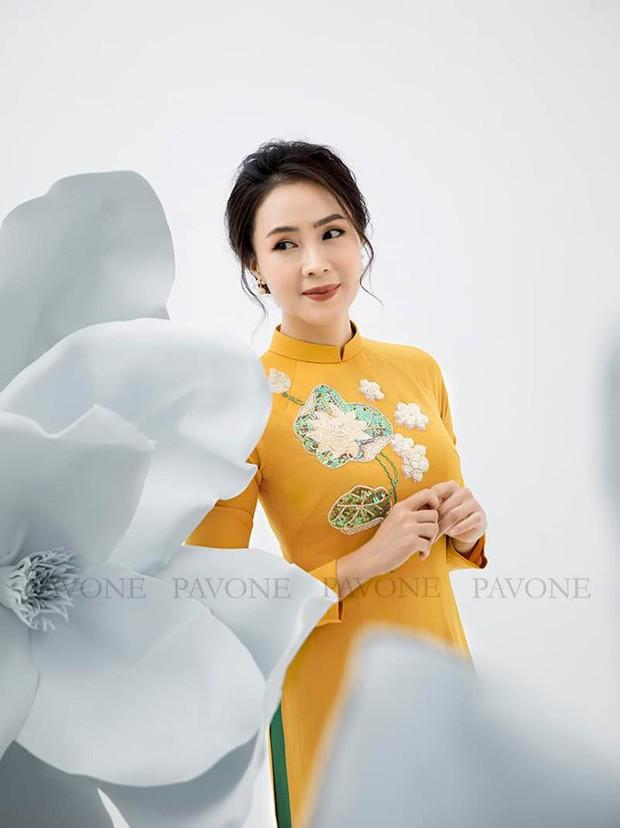 Hồng Diễm nền nã trong bộ ảnh diện áo dài truyền thống, duyên dáng chuẩn vẻ đẹp của phụ nữ Việt Nam - Ảnh 3.