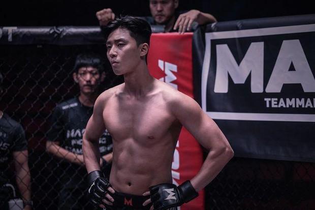 Màn lột xác body kinh điển của dàn nam thần xứ Hàn: Lee Min Ho và phó chủ tịch chưa khủng bằng Kim Woo Bin? - Ảnh 5.