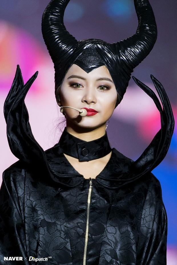 Sao Hàn-Thái đình đám hóa trang Halloween: TWICE quá đáng nể, BTS và BLACKPINK phải bái phục Hoa hậu chuyển giới - Ảnh 6.