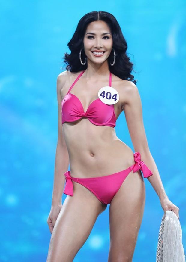 So với thời còn phèn, Hoàng Thùy đầy đặn một cách bất ngờ trong show Hoa hậu - Ảnh 9.