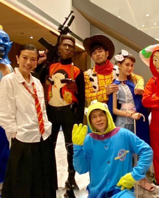 Dàn sao Cbiz cosplay Halloween: Không ai nhận ra Lâm Tâm Như - Tô Hữu Bằng, xuất sắc nhất chính là Trương Hinh Dư - Ảnh 8.