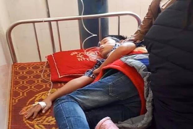 Xót thương cô giáo tử vong vì tai nạn không có nổi chiếc quan tài, con trai sốc nhập viện, con gái thẫn thờ bên thi thể mẹ - Ảnh 2.
