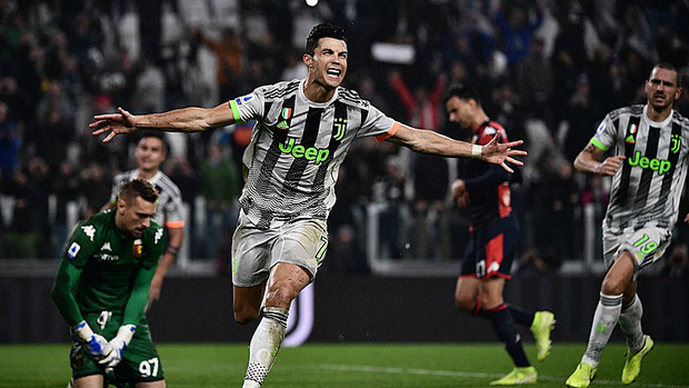 Nghi vấn Ronaldo bay giữa ngân hà để kiếm về chiến thắng đầy kịch tính cho Juventus - Ảnh 2.