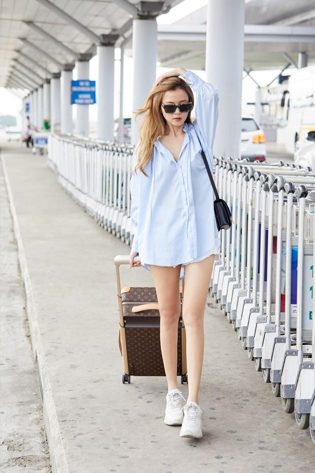 Midu khẳng định sắc vóc đỉnh cao tại sân bay: Lên đồ đơn giản vẫn chanh sả hết mức, đôi chân thon dài gây ấn tượng! - Ảnh 2.