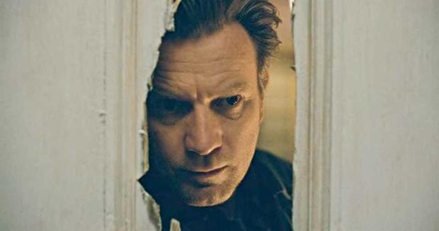 5 màn hù doạ  kinh điển được tái hiện ở phim kinh dị Doctor Sleep: Bạn đóng bỉm chưa? - Ảnh 8.