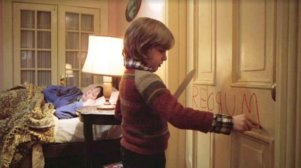 5 màn hù doạ  kinh điển được tái hiện ở phim kinh dị Doctor Sleep: Bạn đóng bỉm chưa? - Ảnh 9.