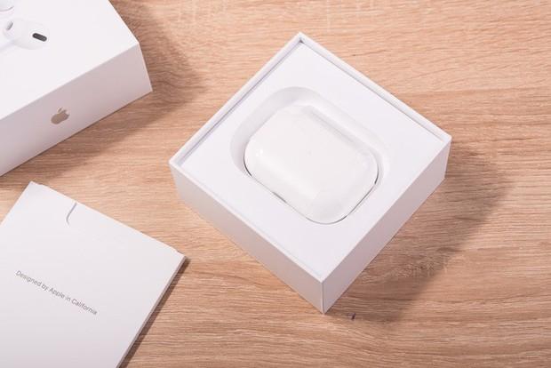 Trải nghiệm AirPods Pro: Thiết kế in-ear, chống ồn chủ động, chất âm vượt trội so với AirPods thường - Ảnh 2.