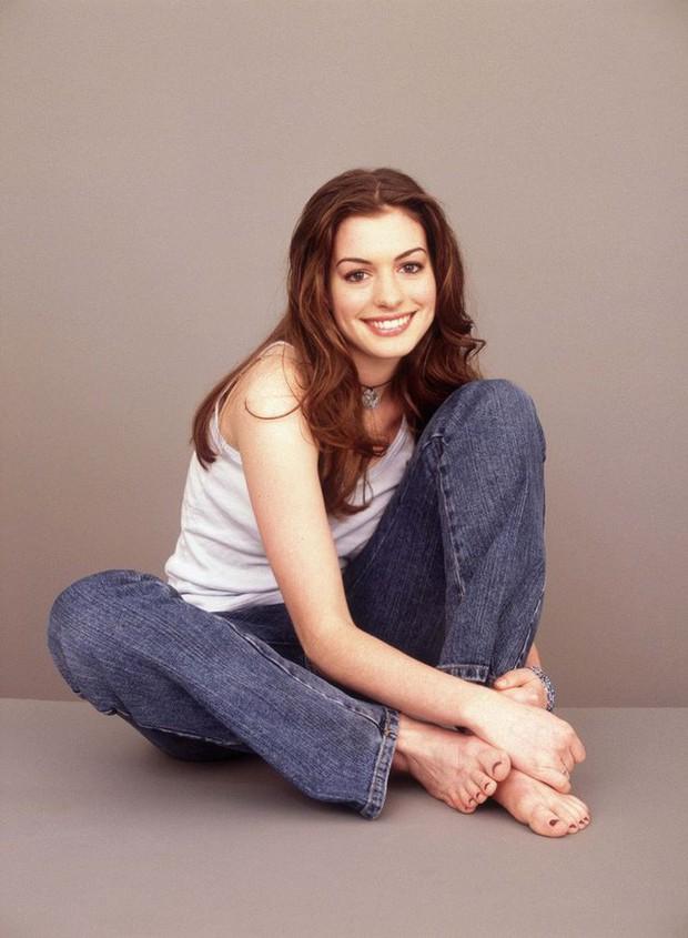 Nhan sắc nóng bỏng của nữ thần sắc đẹp đương đại Hollywood Anne Hathaway: Ngắm mà mê mẩn! - Ảnh 2.