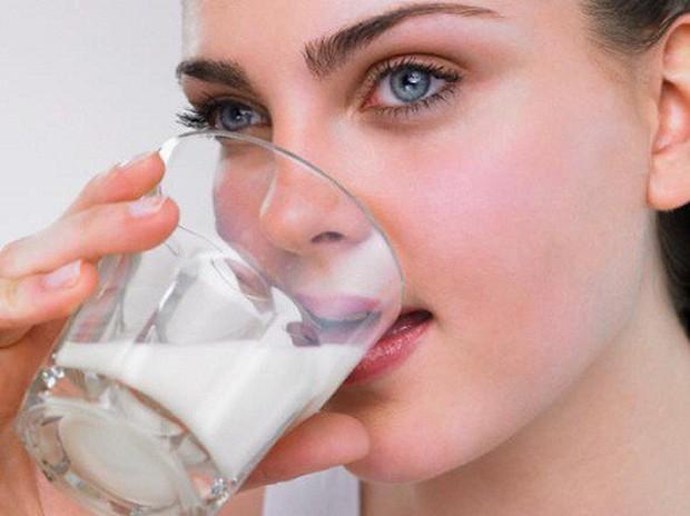 Sữa rất tốt nhưng không phải ai cũng uống được, đặc biệt là 6 đối tượng này - Ảnh 1.