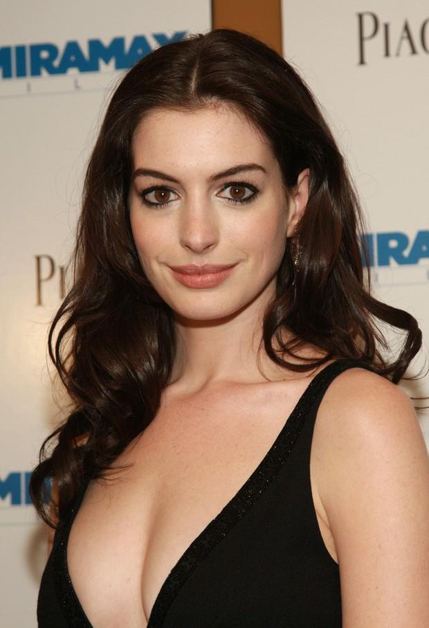 Nhan sắc nóng bỏng của nữ thần sắc đẹp đương đại Hollywood Anne Hathaway: Ngắm mà mê mẩn! - Ảnh 14.