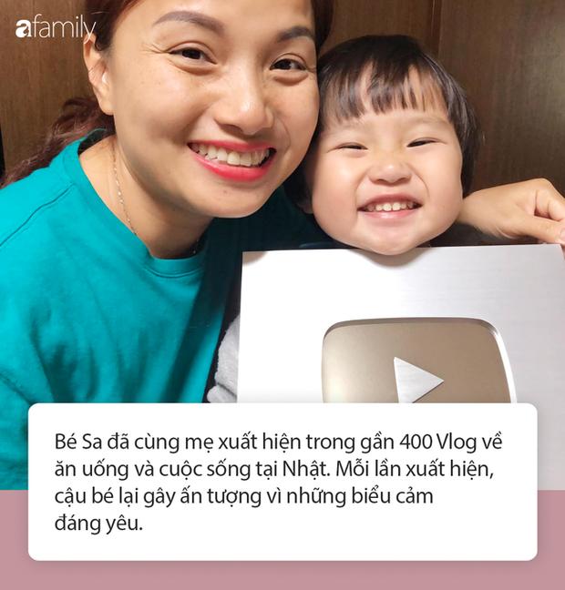 Lý do gì khiến nhóc Sa 3 tuổi ngoan ngoãn ngồi xem mẹ quay Vlog, có thể bởi cách dạy con cực khéo của Quỳnh Trần JP - Ảnh 3.