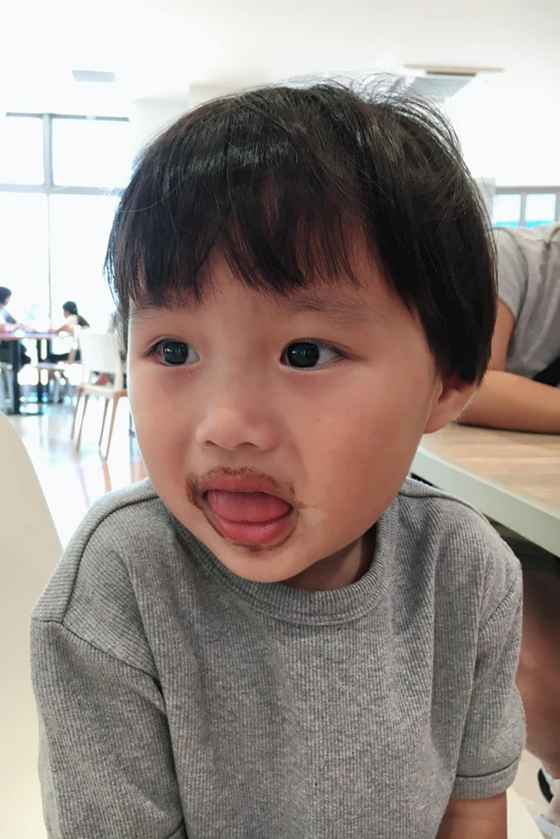 Lý do gì khiến nhóc Sa 3 tuổi ngoan ngoãn ngồi xem mẹ quay Vlog, có thể bởi cách dạy con cực khéo của Quỳnh Trần JP - Ảnh 6.