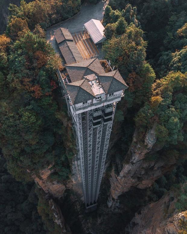 Thang máy ngoài trời cao nhất thế giới tại Trung Quốc khiến hội yếu tim mới nhìn thôi đã thấy thở dốc rồi! - Ảnh 7.