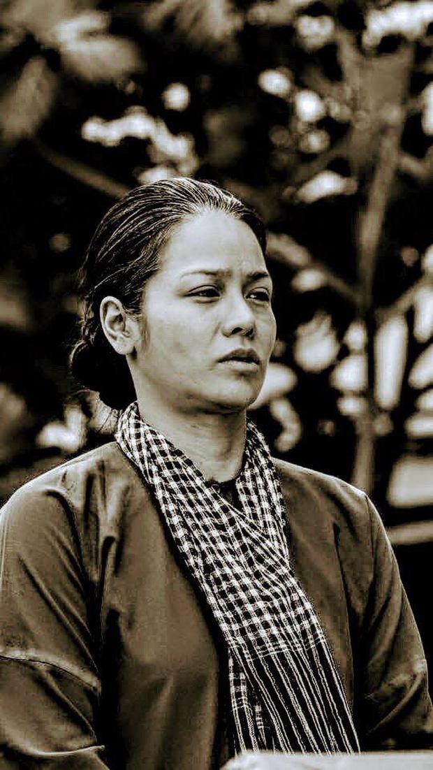 Đạo diễn Tiếng Sét Trong Mưa lên tiếng về tạo hình già chát đến hư cấu của Thị Bình và Cậu Ba - Ảnh 3.