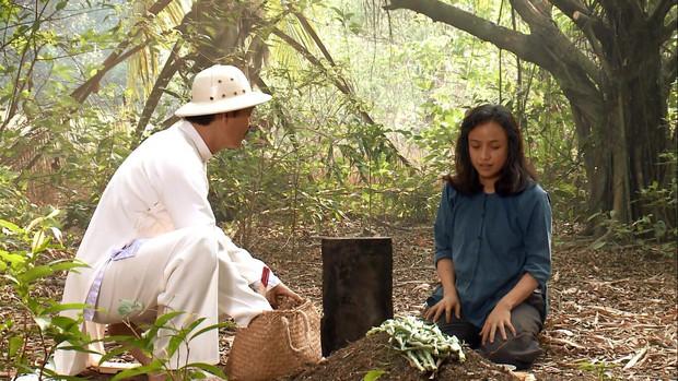 Đạo diễn Tiếng Sét Trong Mưa lên tiếng về tạo hình già chát đến hư cấu của Thị Bình và Cậu Ba - Ảnh 17.