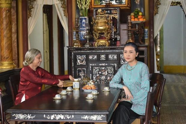Đạo diễn Tiếng Sét Trong Mưa lên tiếng về tạo hình già chát đến hư cấu của Thị Bình và Cậu Ba - Ảnh 15.