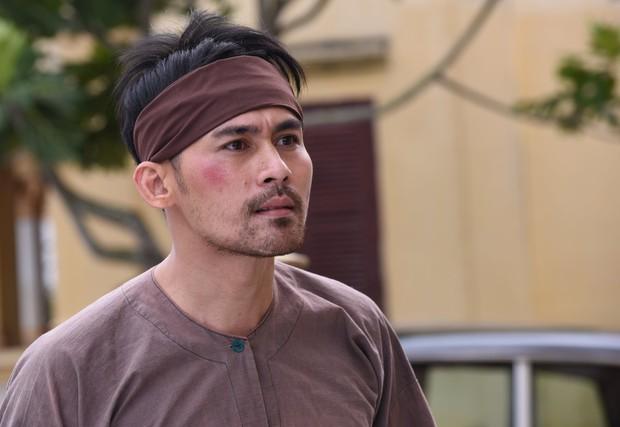 Đạo diễn Tiếng Sét Trong Mưa lên tiếng về tạo hình già chát đến hư cấu của Thị Bình và Cậu Ba - Ảnh 9.