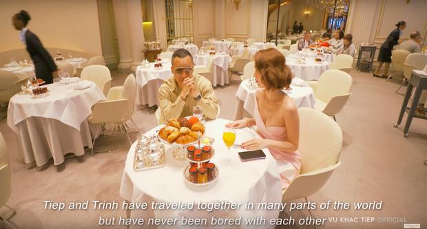 Ở Paris có khác: vlog mới của Vũ Khắc Tiệp và Ngọc Trinh như 1 show diễn thời trang đỉnh cao, choáng ngợp với phòng khách sạn 110 triệu/đêm - Ảnh 19.