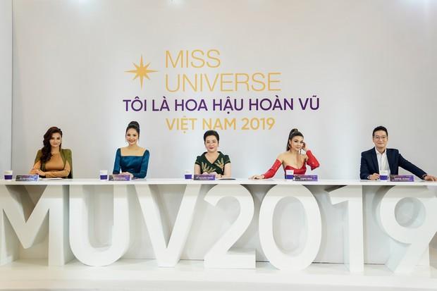 Đi thi mà xuất hiện như celeb, Thúy Vân suýt bị loại khỏi Hoa hậu Hoàn vũ Việt Nam - Ảnh 1.