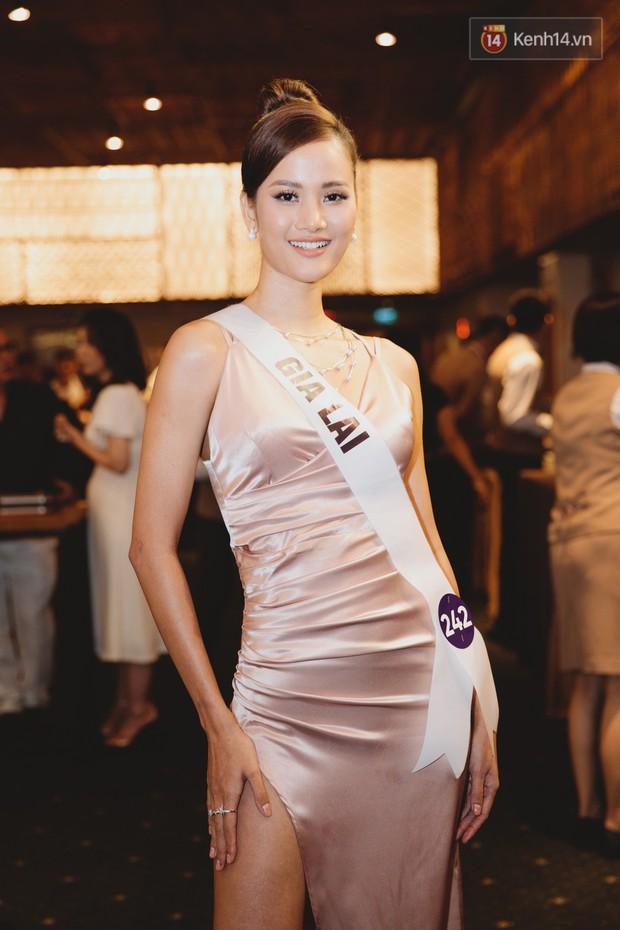 Top 60 Hoa hậu Hoàn vũ Việt Nam chính thức lộ diện: Thúy Vân, Hương Ly cùng đụng độ khoe nhan sắc bất phân thắng bại - Ảnh 2.