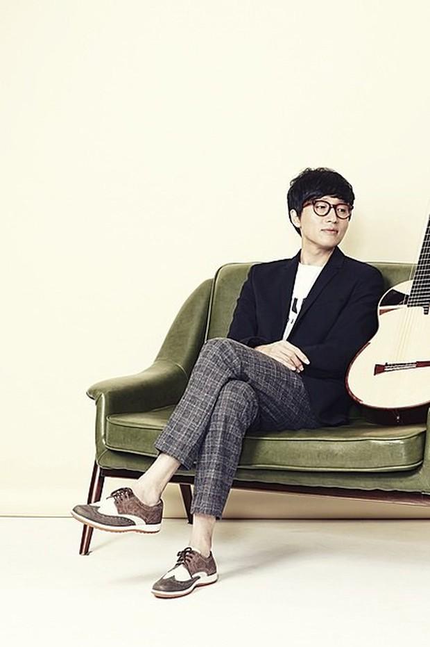 """Nam ca sĩ Hàn Quốc khiến dân tình choáng váng với bảng thành tích học tập khủng, netizen nhất loạt trầm trồ: """"Đúng là đi hát vì đam mê!"""" - Ảnh 1."""