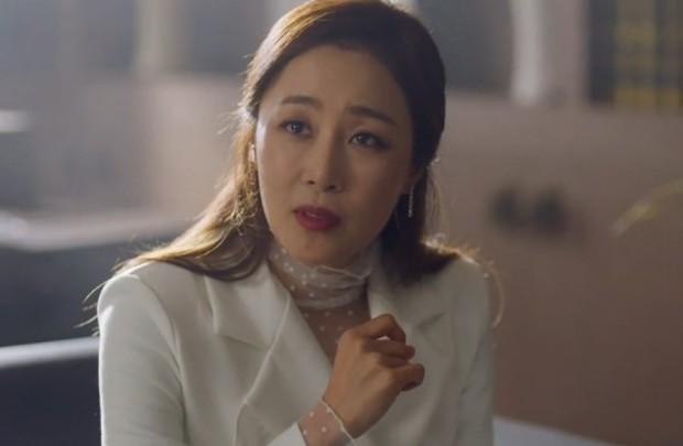 Vagabond tập 5: Lee Seung Gi vì miếng bánh mà bị bắt cóc, Suzy suýt vào tù vì tung bằng chứng khủng bố vụ rơi máy bay - Ảnh 14.