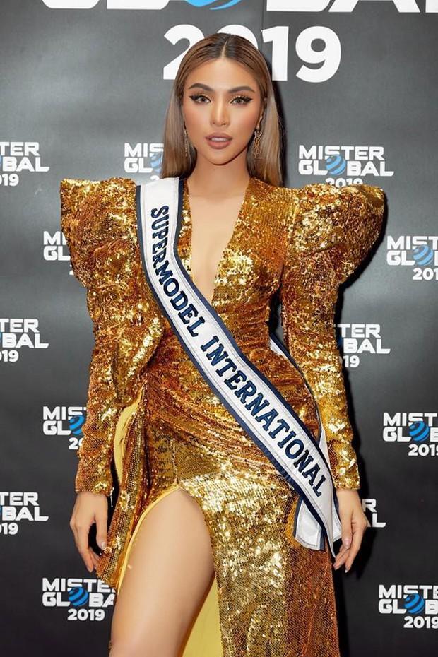 Kém 12cm chiều cao, Nhật Kim Anh cũng chẳng kém đẹp so với Siêu mẫu quốc tế Khả Trang khi cùng diện đầm lộng lẫy - Ảnh 4.