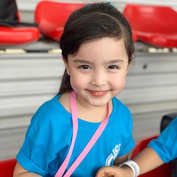 Mỹ nhân đẹp nhất Philippines Marian Rivera khoe lần đầu con gái tới thủy cung, biểu cảm đáng yêu của Zia gây sốt mạng xã hội - Ảnh 4.