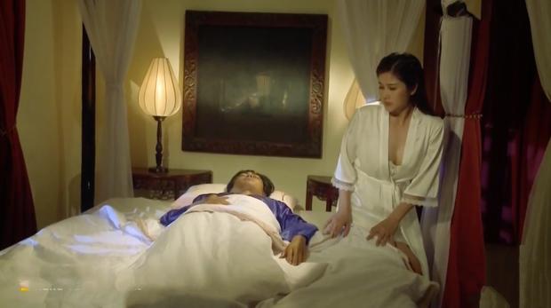 Tiếng Sét Trong Mưa tập 29: Dì Hạnh Nhi chán chồng, vờ bị lãnh cảm vẫn bày trò leo lên giường trai trẻ? - Ảnh 8.