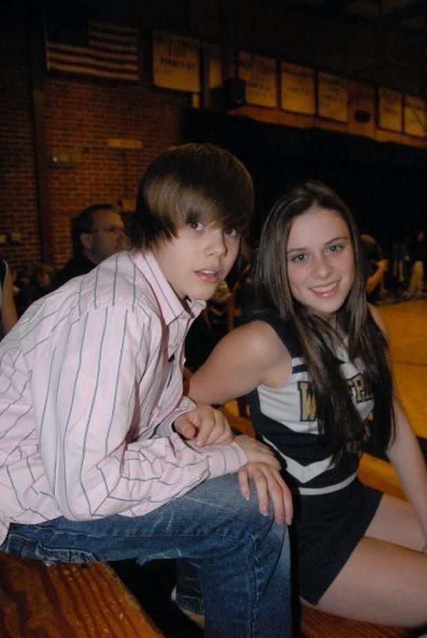 Những lần Justin Bieber mang chuyện tình của mình vào âm nhạc: Hát về Selena chưa bao giờ là đủ, khẳng định trọn đời bên Hailey Baldwin - Ảnh 2.