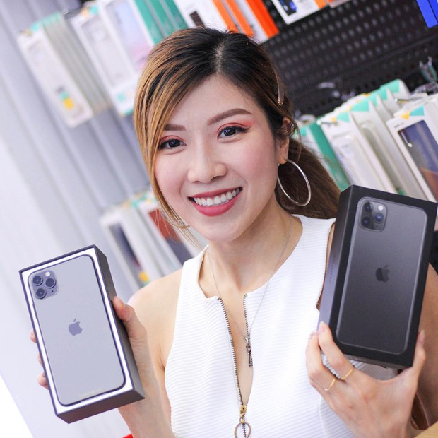 Hàng chục nghệ sỹ Việt đua nhau rinh iPhone 11, táo khuyết tại Việt Nam chưa bao giờ hết hot! - Ảnh 11.