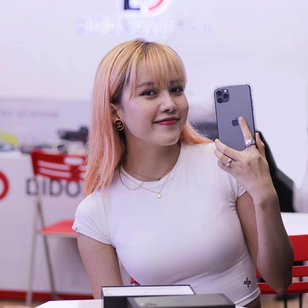 Hàng chục nghệ sỹ Việt đua nhau rinh iPhone 11, táo khuyết tại Việt Nam chưa bao giờ hết hot! - Ảnh 3.