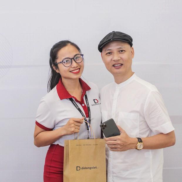 Hàng chục nghệ sỹ Việt đua nhau rinh iPhone 11, táo khuyết tại Việt Nam chưa bao giờ hết hot! - Ảnh 12.