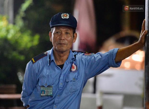 Ảnh: Người dân quây quần đón trung thu muộn tại chung cư từng vắng bóng người sau vụ cháy nhà máy Rạng Đông - Ảnh 10.